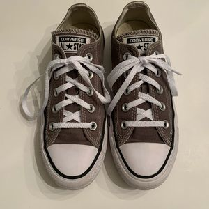 Converse All Star Shoes . Size 6.